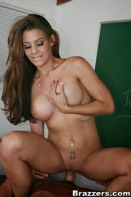 Sucking the naked girls on bed, shemale masturbating movie