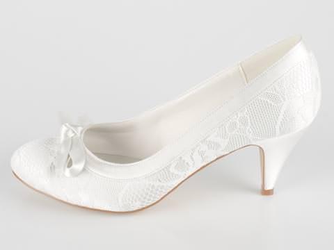 vita skor bröllop