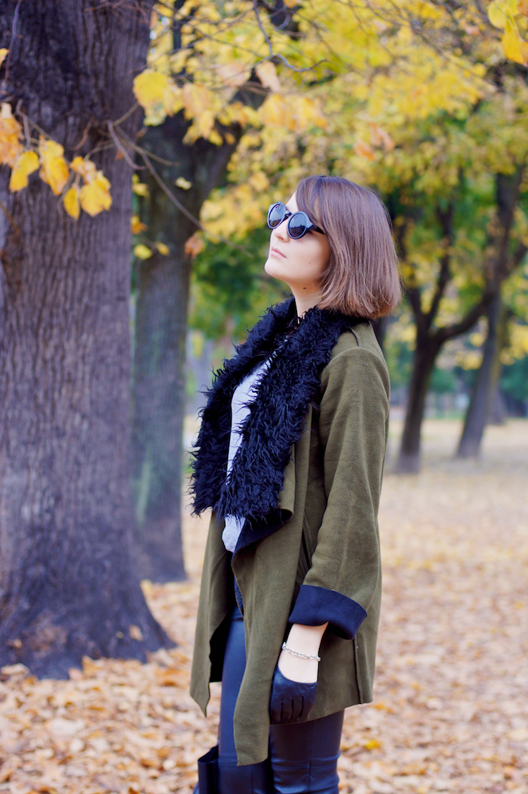 militar parka jacket with fur detail