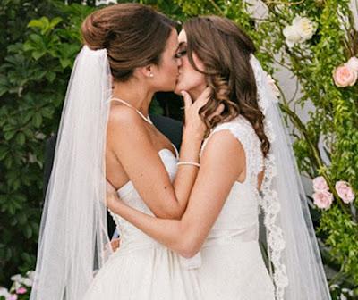 Hawaii lesbian wedding like her