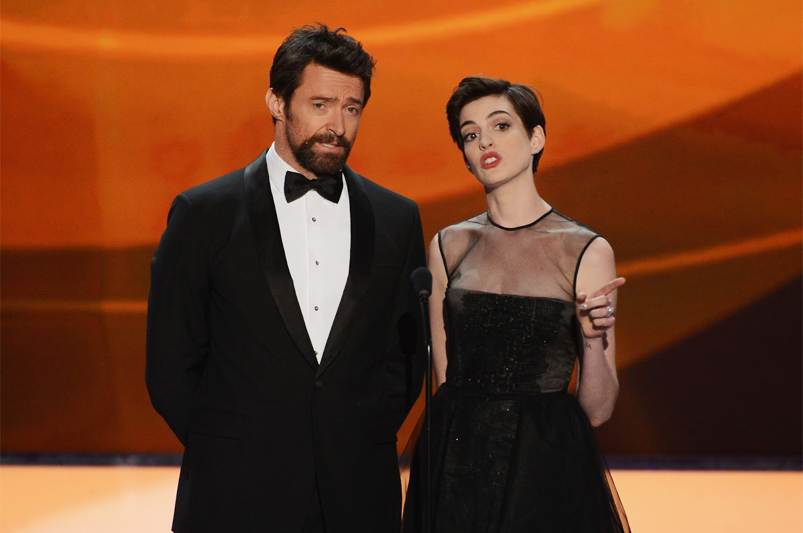 http://1.bp.blogspot.com/-oCTHk0o0a8Q/UQZ6EALxHdI/AAAAAAABTEg/u2OQwBWuBr8/s1600/Anne_Hathaway-Hugh_Jackman-19th_Annual_Screen_Actors_Guild_Awards-1_27_2013-004.jpg