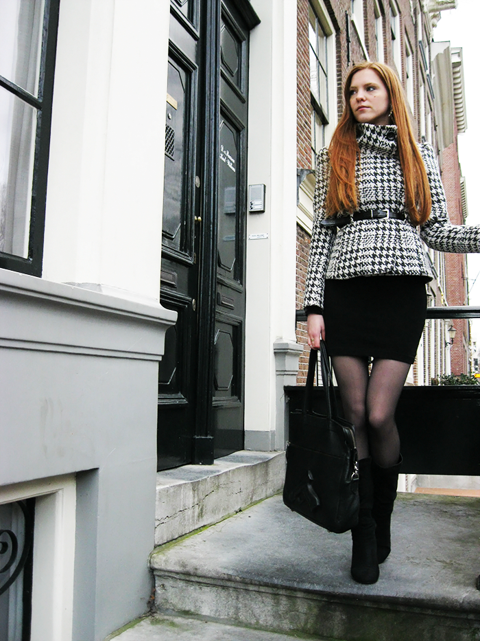 Dutch Fashion blogger outfit amsterdam houndstooth pied de poule