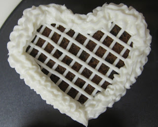 Valentine's Day Heart Shaped Mini Cookie Cakes - Close-Up View of Lattice Pattern Cake