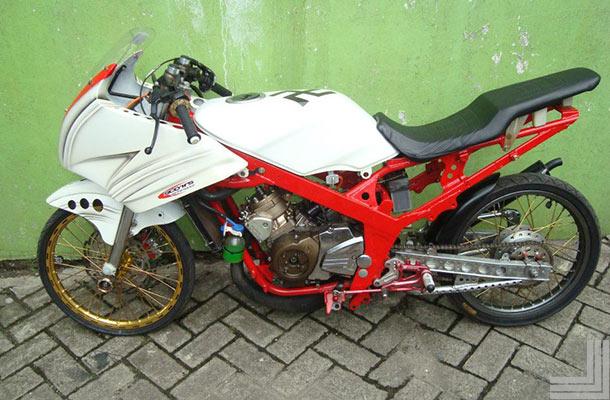 Foto sepeda motor ninja 23