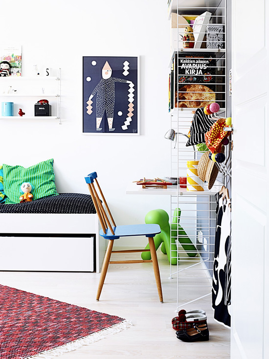 The bright and colorful home of Riikka of hunajaista