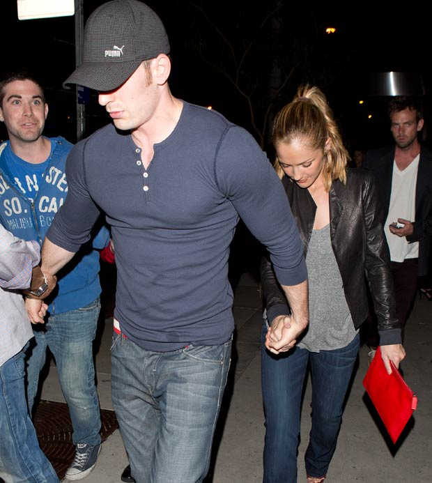 fashion and the city minka kelly amp chris evans holding