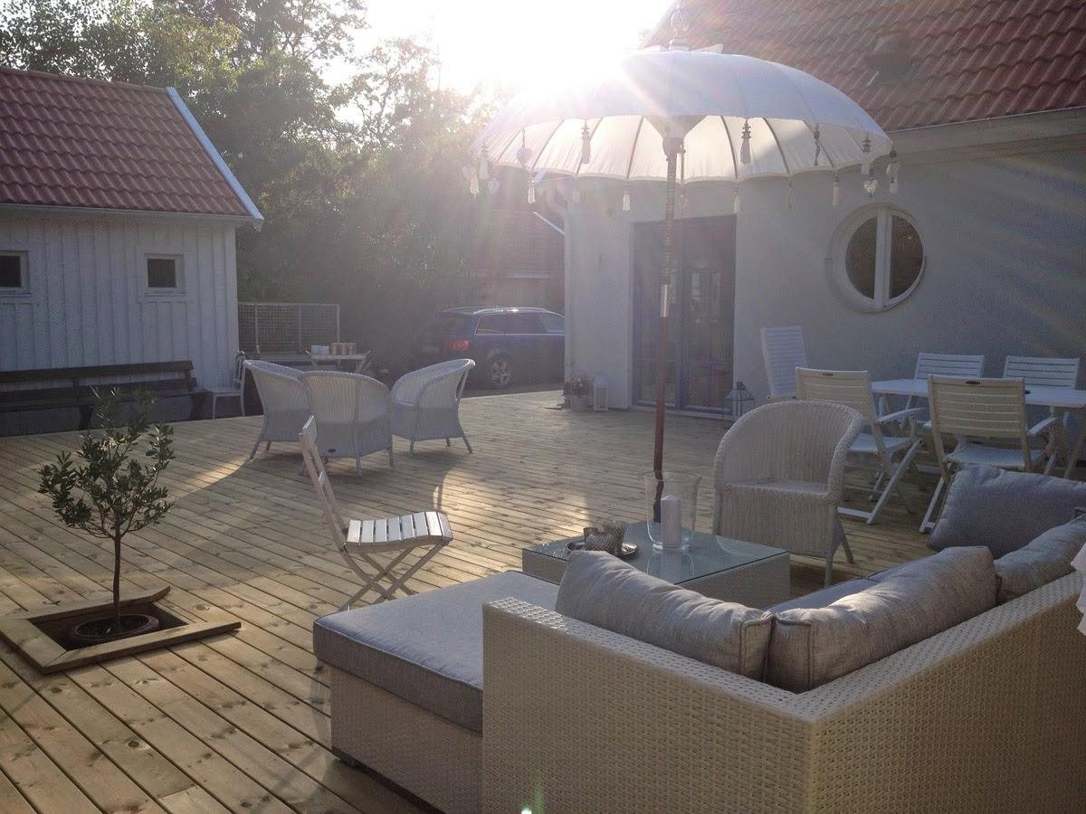 Husprojekt drömhus: dop, altanbygge & staket färdigt! puh