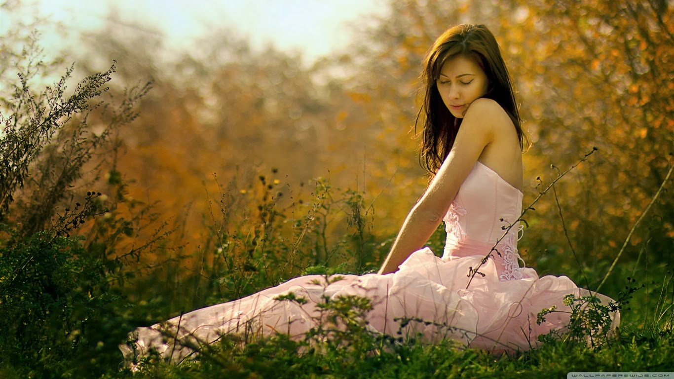 Beautiful Love Girl Wallpaper : Most Beautiful Girl Wallpapers: HD Wallpaper Of Beautiful Girls With Silky Hair