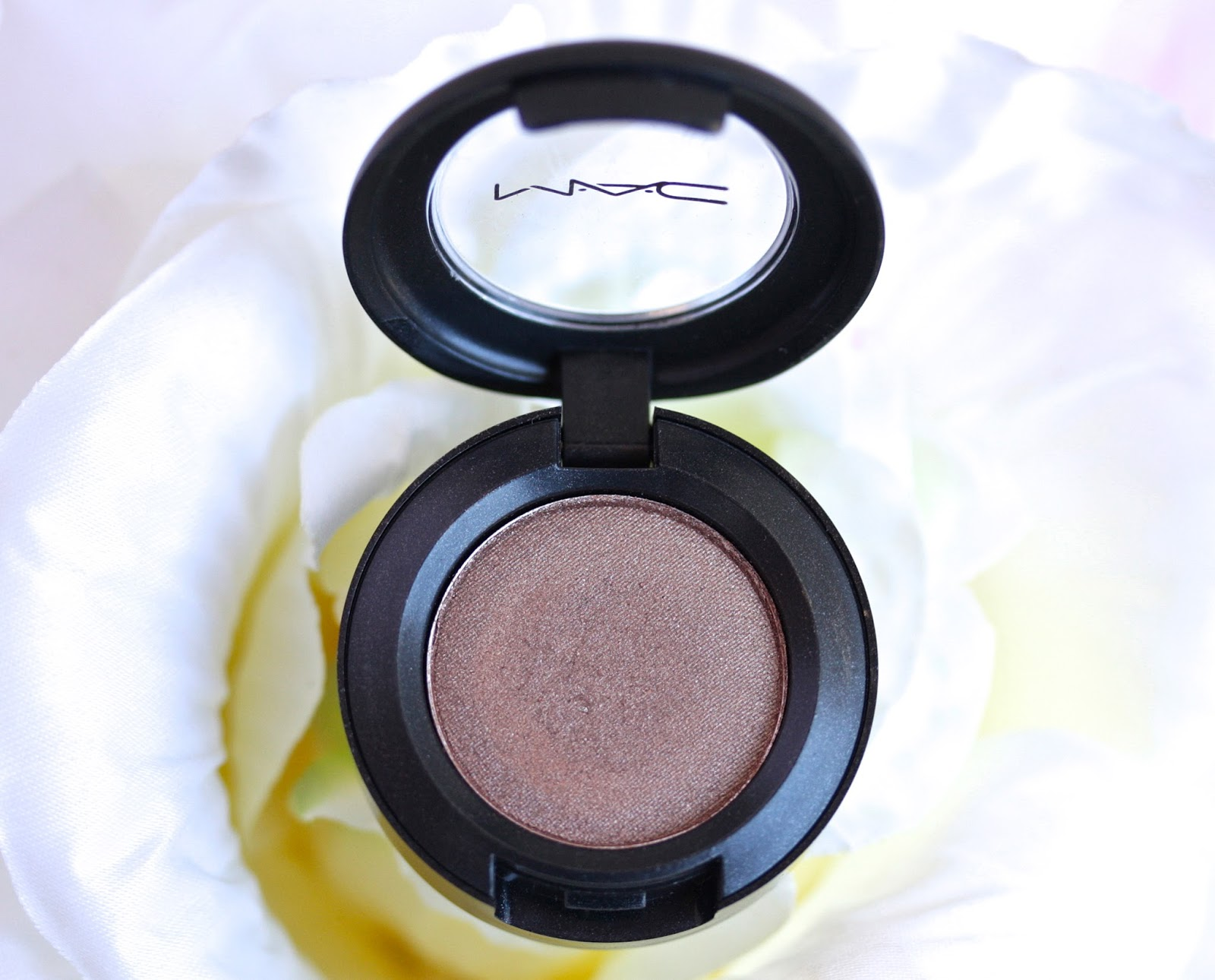 MAC Woodwinked Eyeshadow / Review and Swatches | RosyChicc