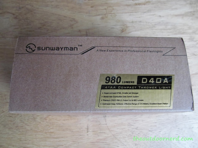 Sunwayman D40A [4xAA Flashlight] - New In Box