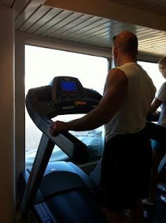 gemide fitness salonu