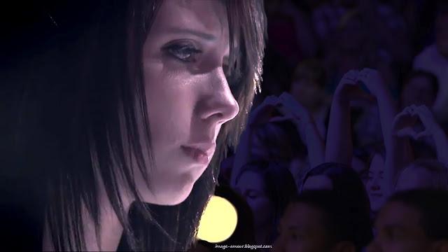 Image: Jillian Jensen aimé par la foule à X Factor