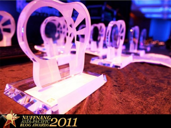 Nuffnang Asia-Pacific Blog Awards 2011 | Tahniah Bloggers !