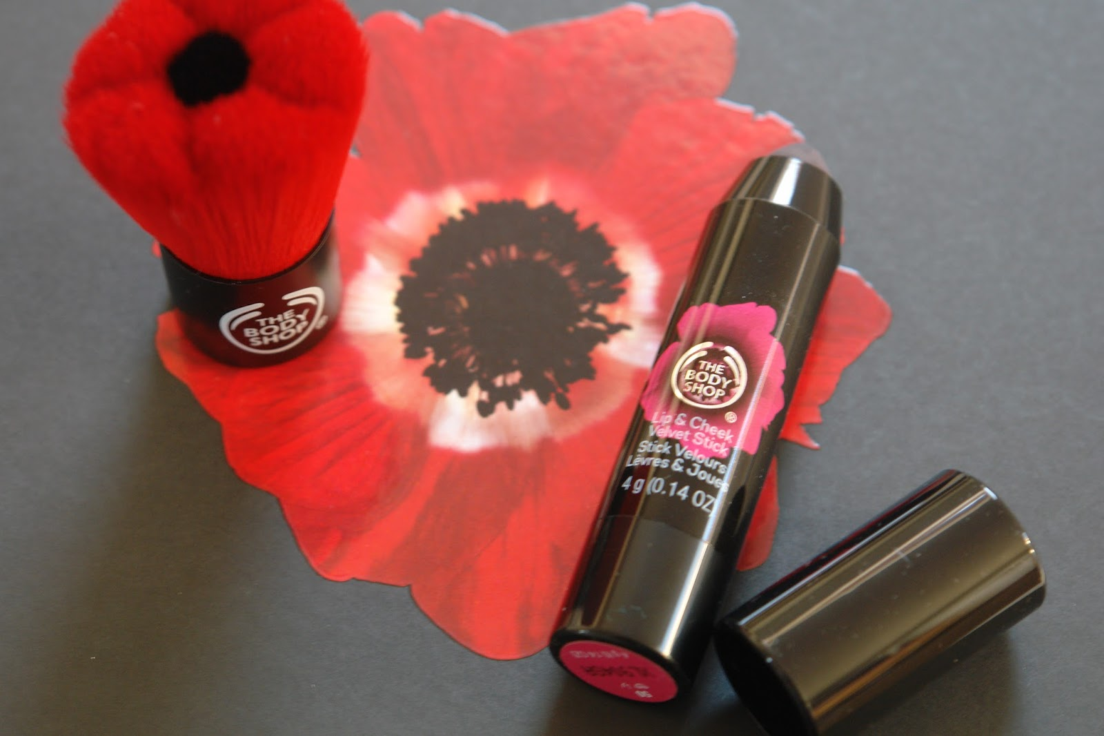 The Body Shop Smoky Poppy collection, Blusher Brush, beauty, brushes, lip balm, make up, review, The Body Shop, The Body Shop Lip & Cheek Velvet Stick in Poppy Universal, Smoky Poppy Selection