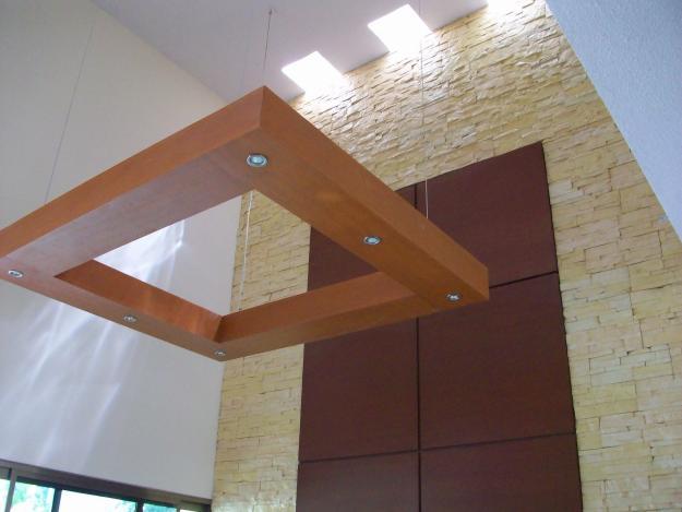 Elegantes acabados del interior de casa minimalista