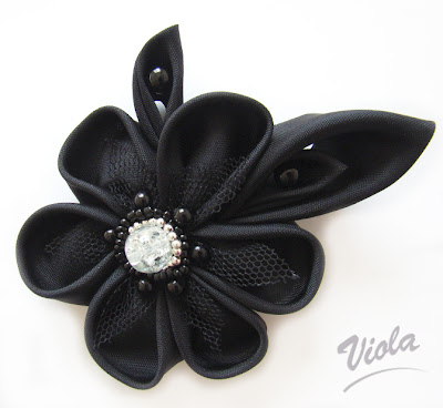 broszka kanzashi czarny kwiat