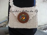 http://crocheeartesdaro.blogspot.com.br/2013/11/bolsa-de-croche-com-o-fio-duna-da.html