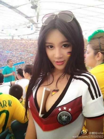 Gambar Bugil Jolie Fan ling Suporter Seksi Dari China