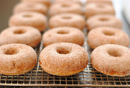 Baked Spiced Apple Doughnuts