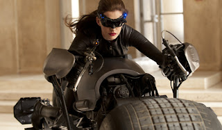 Anne Hathaway si Cantik Catwomen