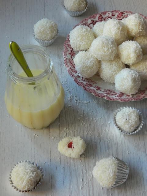Bomboane Raffaello cu lapte condensat