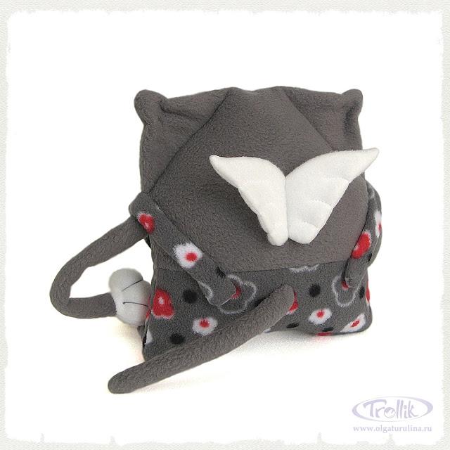 мягкая игрушка из флиса кот с крыльями