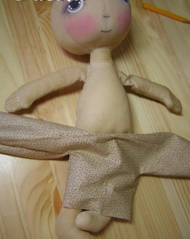 Как своими руками сделать куклу с ножками 9