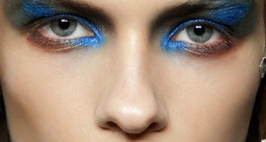 Metallische Augen