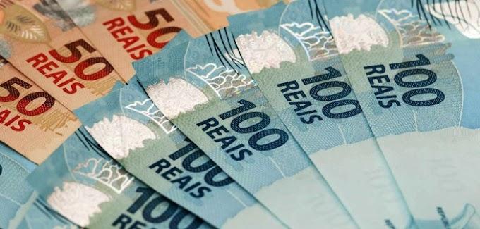 ECONOMIA: Salário mínimo de R$ 880 vale a partir de hoje.