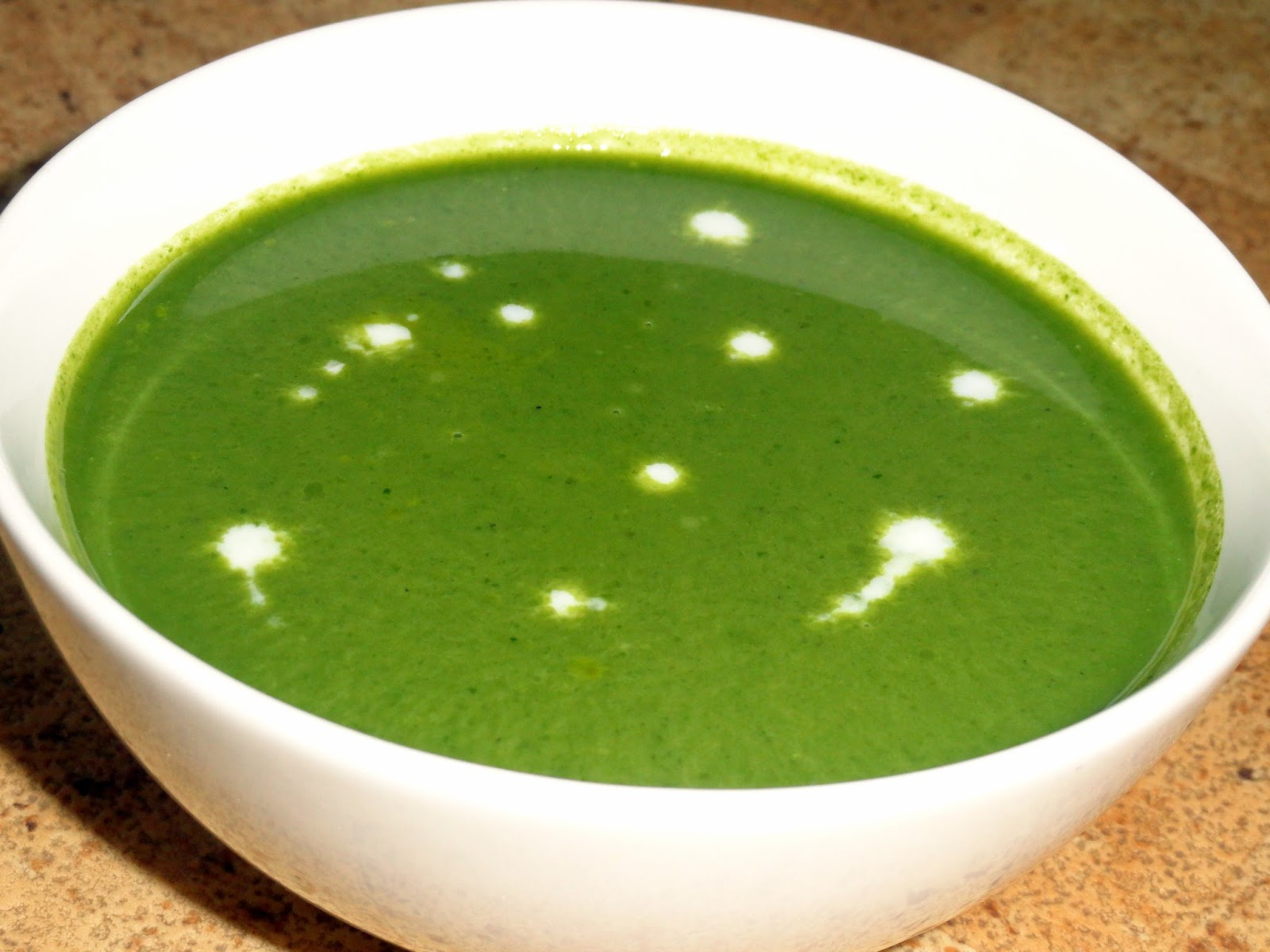 Eat n Eat little More: Cream of Spinach/Palak Soup
