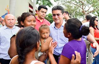 Governador do Amazonas anuncia abrigo e ajuda financeira para venezuelanos