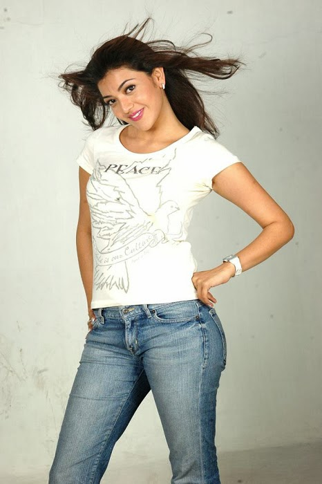 Kajal+Agarwal+Hot+And+Cute+In+Tight+T shirt+%2526+Jeans+Photos003