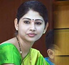 If rumour mill is to be believed, IAS officer Smita Sabharwal will soon take charge as the Nalgonda district collector. Buzz is that KCR is contemplating to ... - smitha-sabarwal-647x450