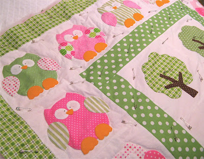 pink and green Hooterville owl applique quilt