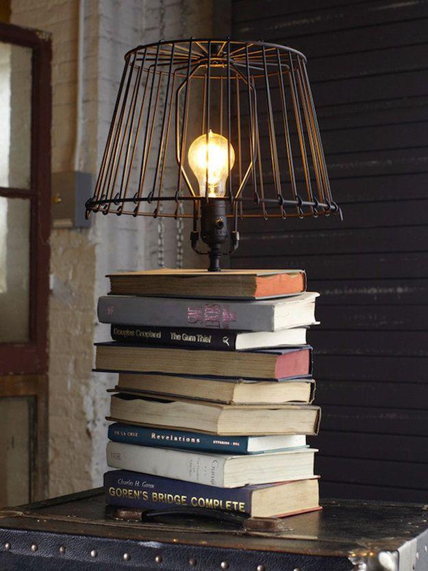 Luminária reutilize livros