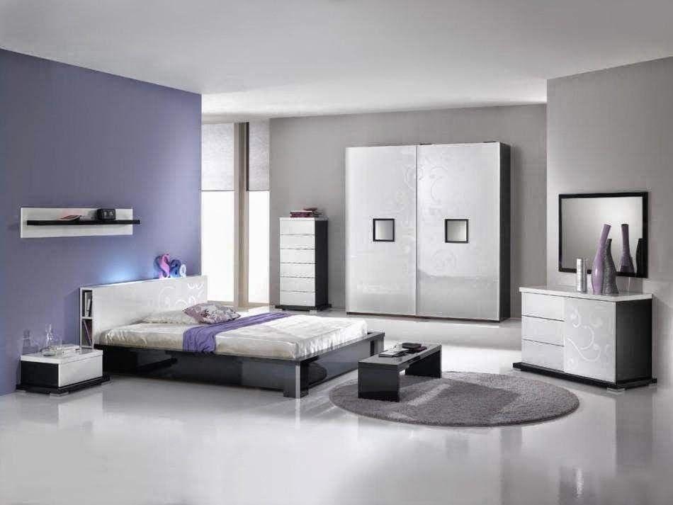 chambre pourpre et lavande. Black Bedroom Furniture Sets. Home Design Ideas