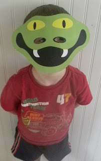 Polar Bear Polar Bear What do you Hear? Printable snake mask, animal masks by  Masketeers.com http://readysetread2me.blogspot.com