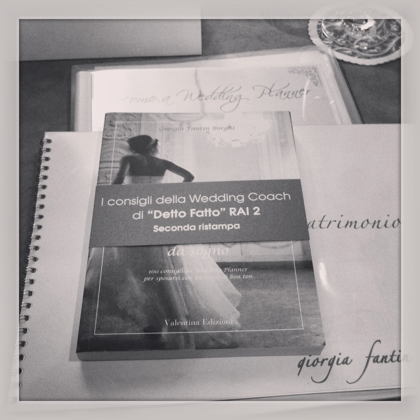 how to become a licensed wedding planner