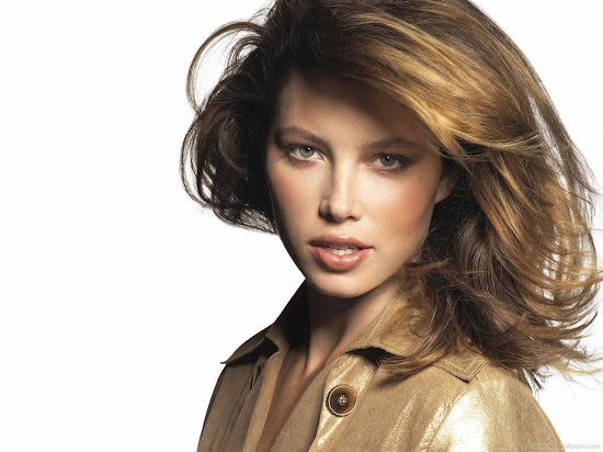 Actress Jessica Biel Beautiful Wallpaper-1600x1200