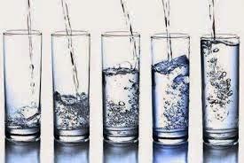 Ini 5 Dampak Berbahaya Minum Air Putih Terlalu Banyak