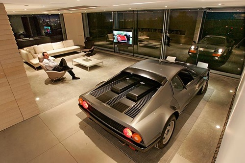 Ultimate Man Cave Garage 500 x 333