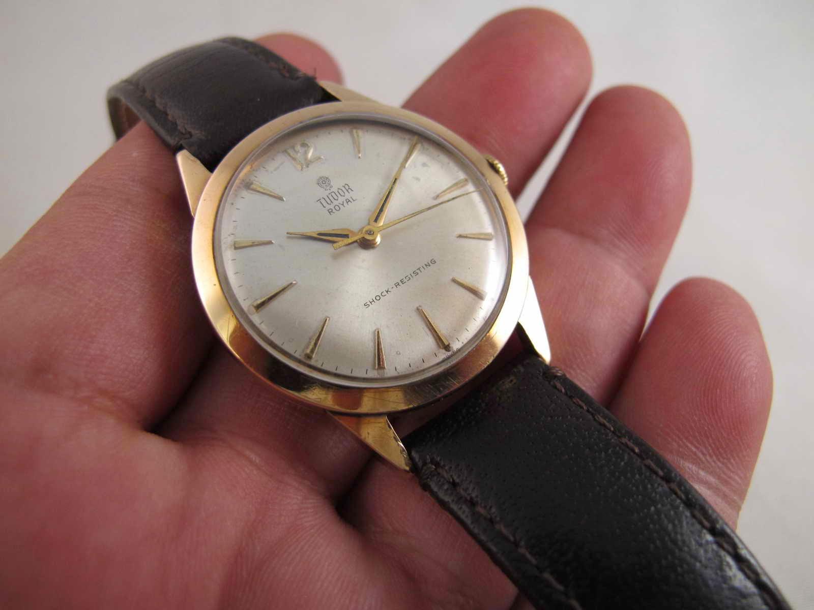 Cocok untuk Anda yang sedang mencari jam tangan dengan brand ternama mechanical manual winding Tudor ROYAL ALL GOLD