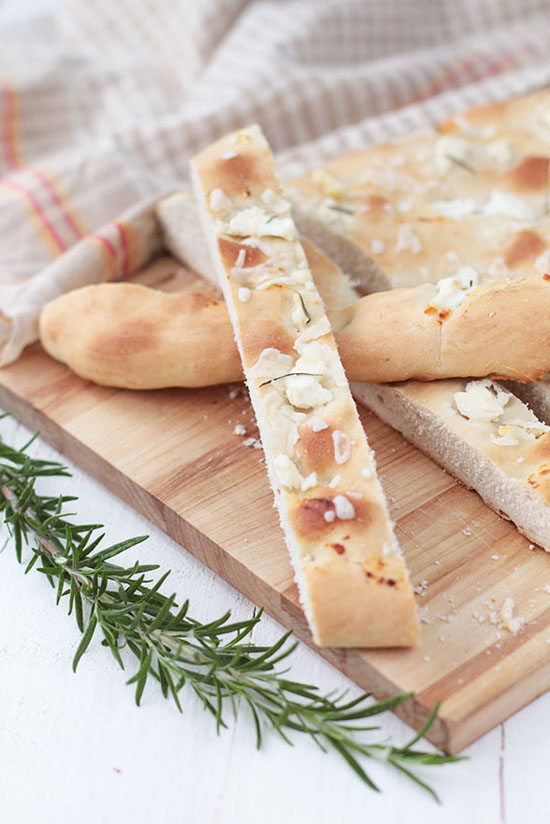 Ricotta and rosemary focaccia recipe by @raquelkitchen