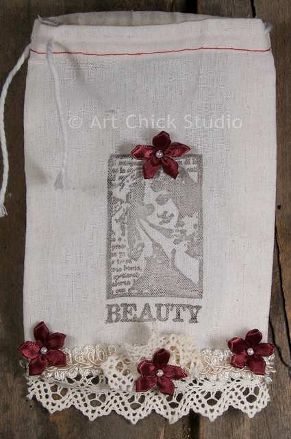 Beauty Shabby Chic Pouch