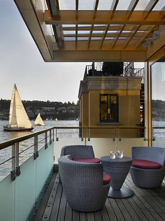 Lake union seattle modern floating home by vandeventer carlander architects minimalist home - Floating house seattle ...