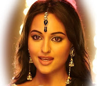 Sonakshi SInha Simple Make Up with pearl maang tikka