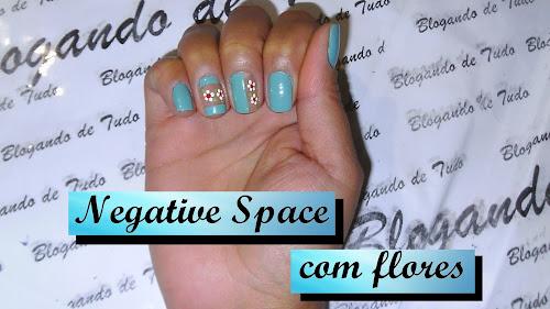 Negative Space com flores