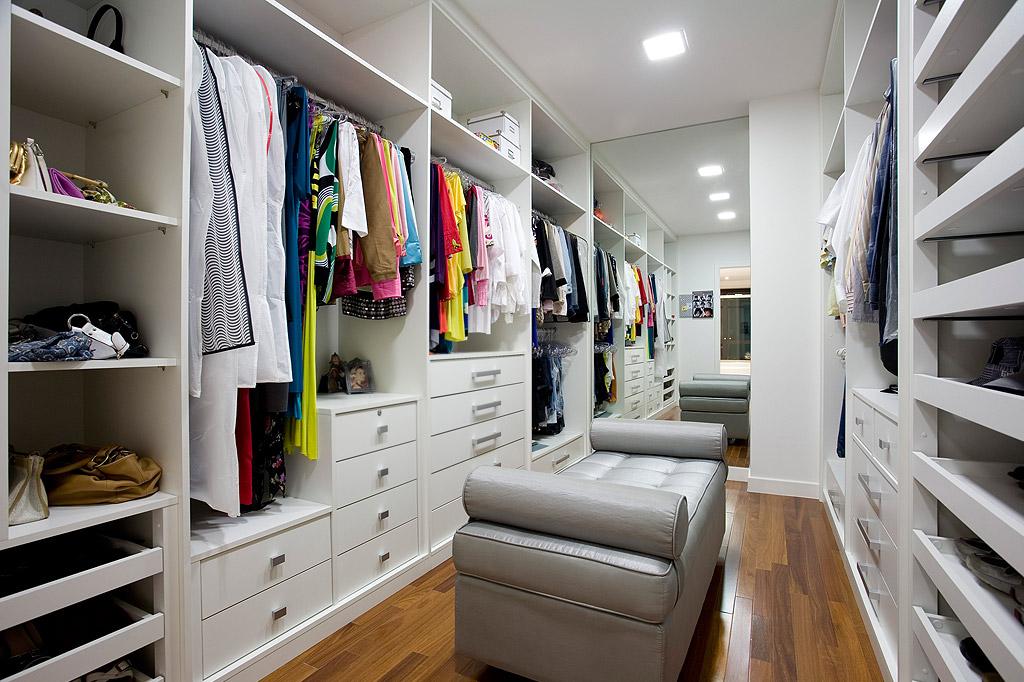 Construindo minha casa clean closets para ningu m colocar for Modelos de closets