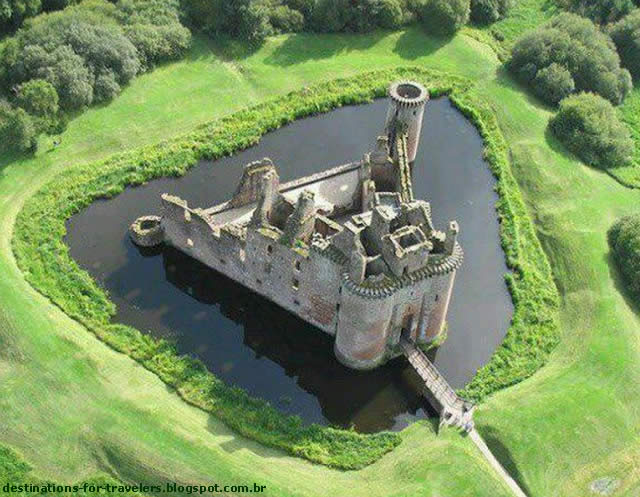 CAERLAVEROCK CASTLE - DUMFRIES, SCOTLAND