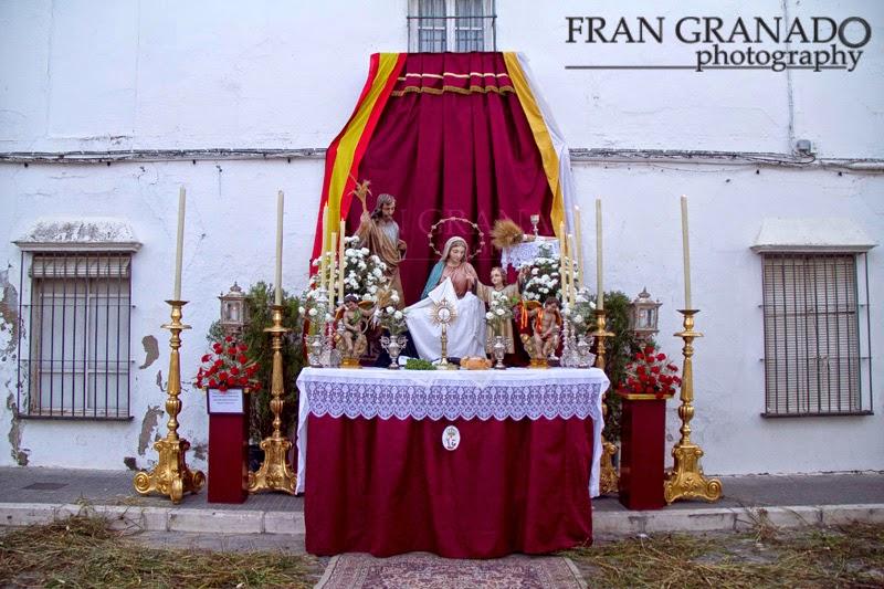 http://franciscogranadopatero35.blogspot.com/2014/07/altares-corpus-christi-arahal-2014.html